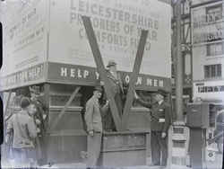 Lord Mayor of Leicester William Joseph Cort with Giant V