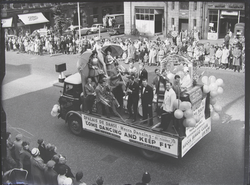 "Parade: ""Palais de Danse"" band float -Lord Mayor's Show 1961"